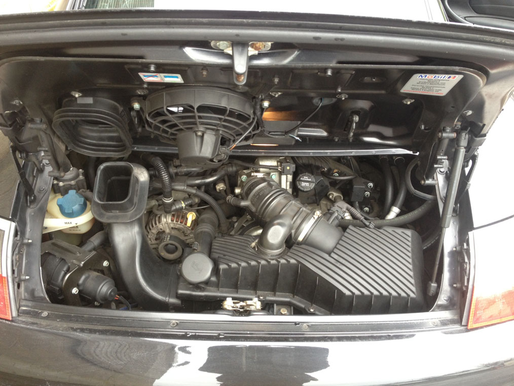 Porsche 996 Carerra 4 Engine