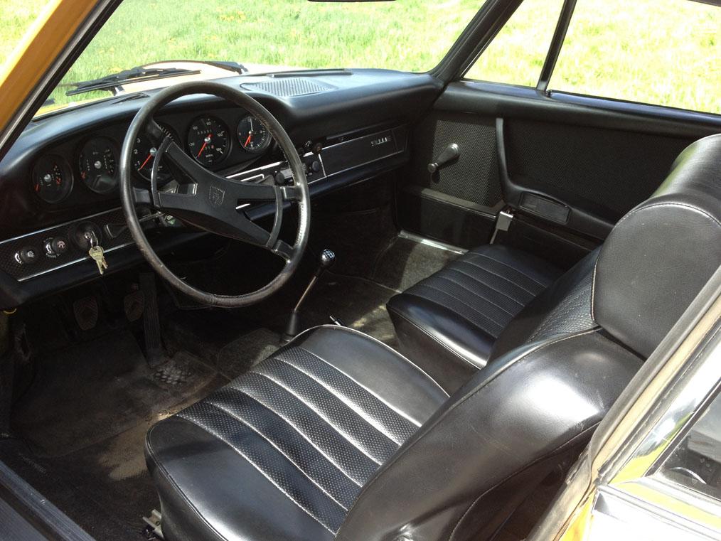 Porsche-911E-Interior-2