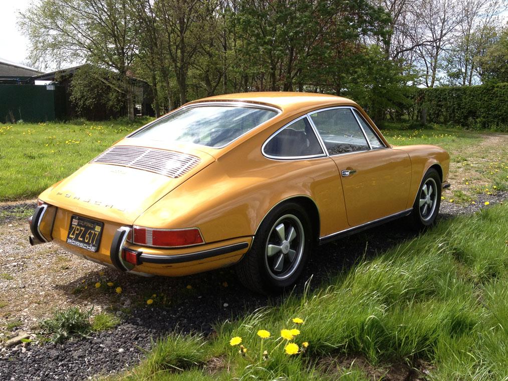 Porsche-911E-Near-Side