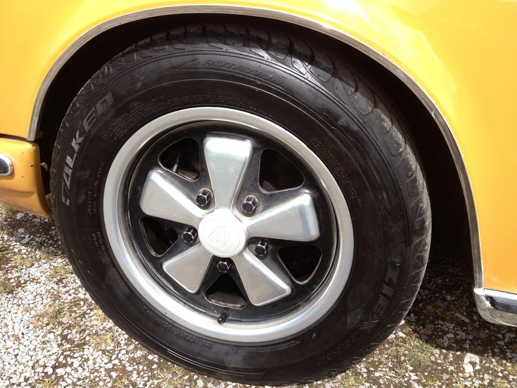Porscje-911E-Wheel
