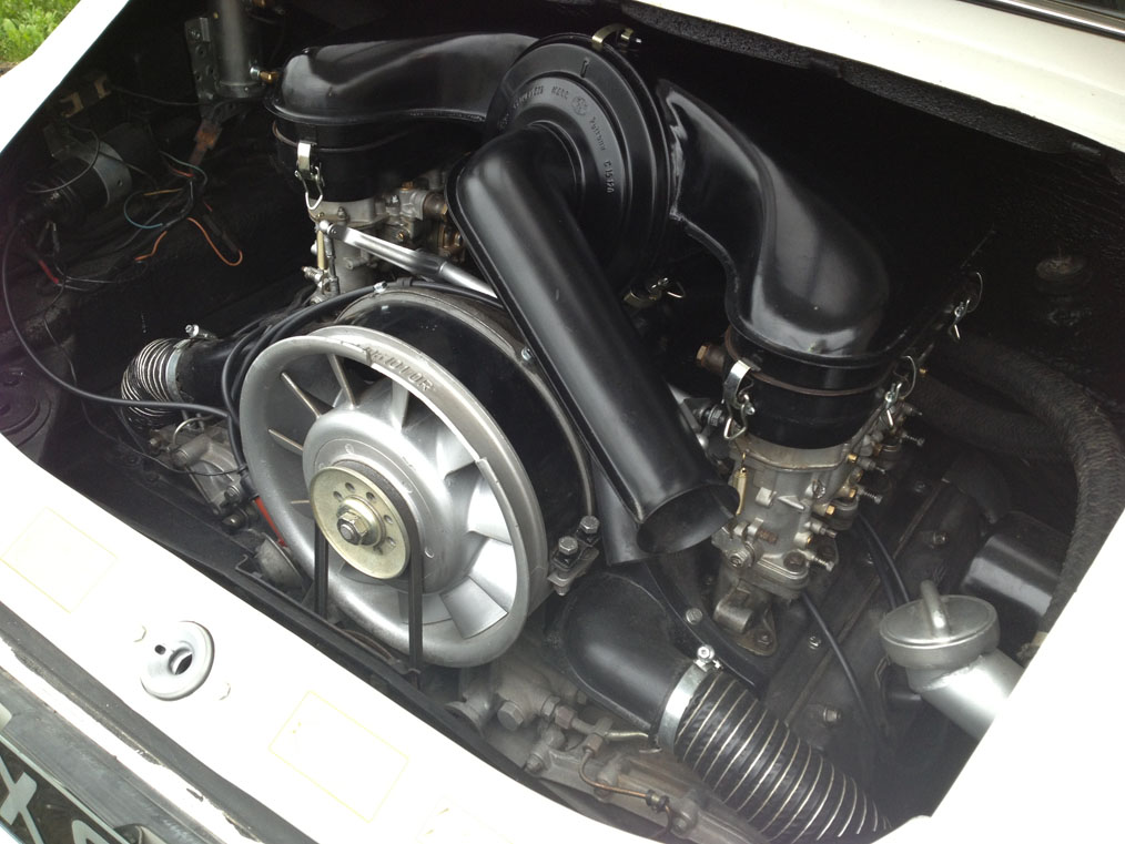 911-white-swb-68-Engine