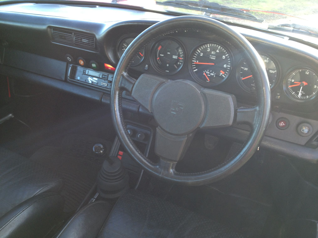 porsche-911-turbo-interior