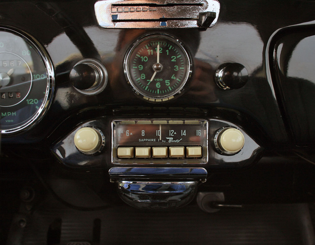 Porsche-356B-T6-Coupe-Dash