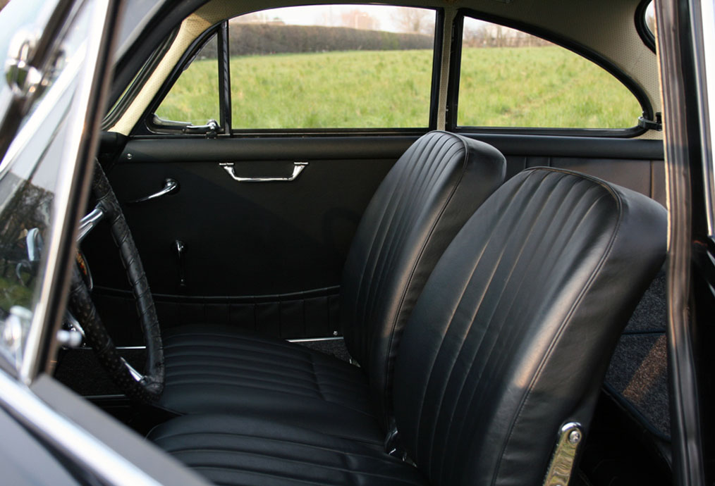 Porsche-356B-T6-Coupe-Interior