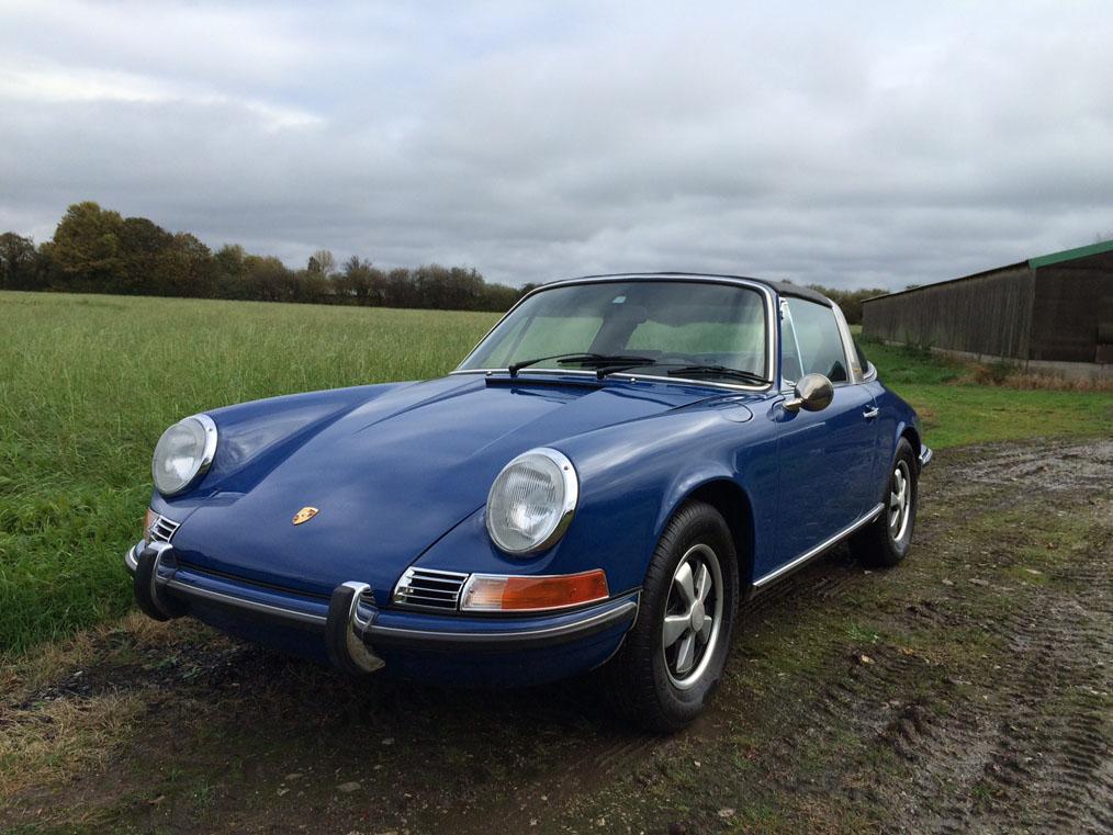 Porsche 911E Targa Front Side
