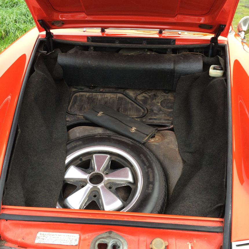 Porsche 911T 1970 Boot Tyre