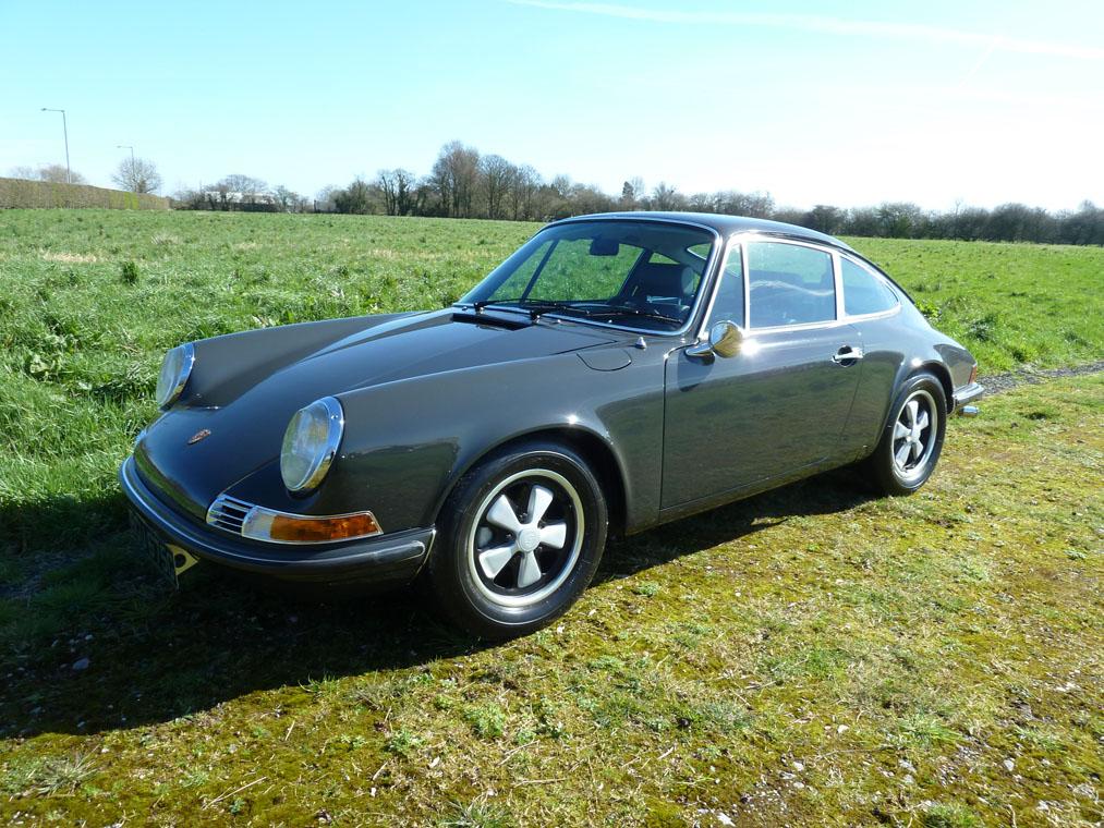 Porsche 911 T Slate Grey Side