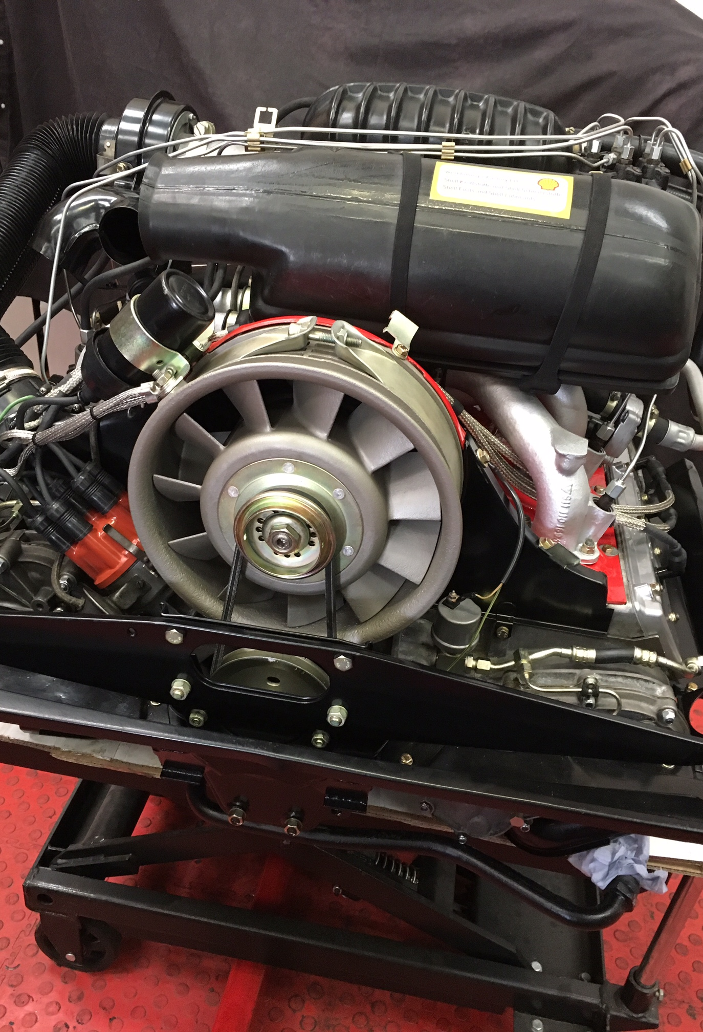 Porsche-911-Engine-2