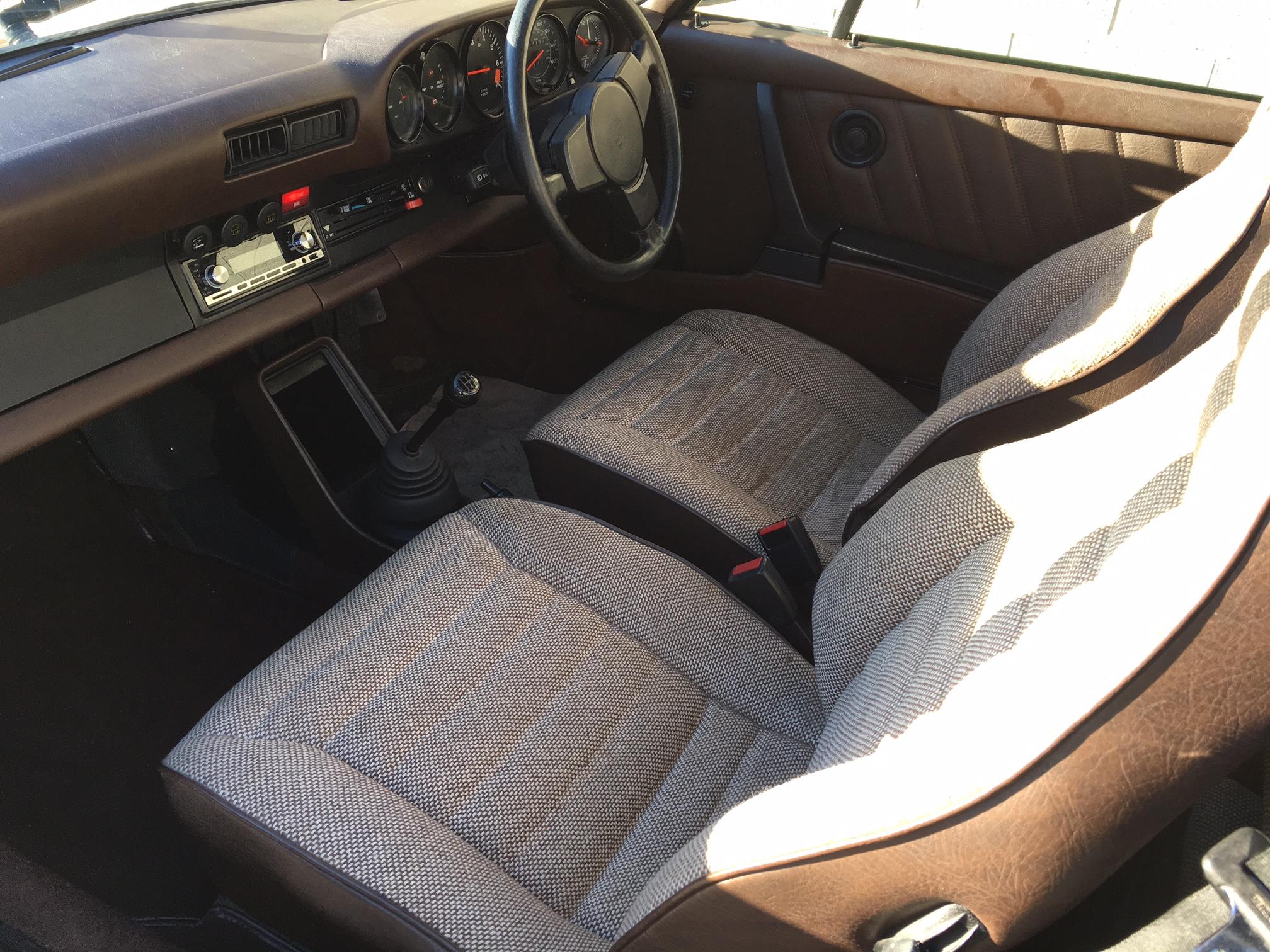 Porsche-911-seat
